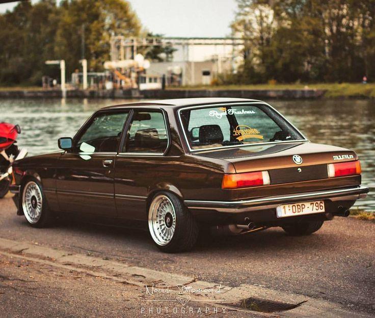 BMW E21 318