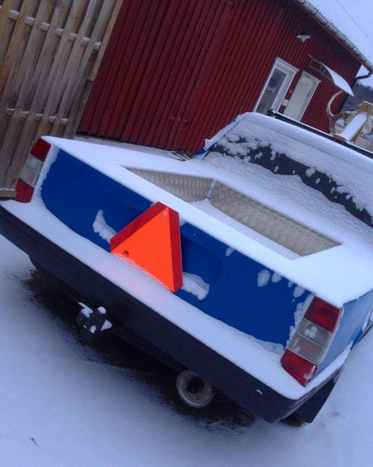sweden swedish swede car epa traktor a-traktor epa-traktor swedishepa snö snow countryside winter landet sverige barn snowy