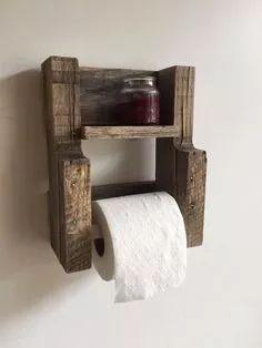 kit rústico para banheiro feito com madeira reciclada.