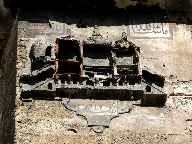 Büyük Yeni Han, Çakmakçılar yokuşu, İstanbul  Ağustos 15, 2009 #birdhouse #kusevi
