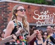 Les Soeurs Boulay chantent «Cul de Sac» dans une ruelle secrète (vidéo)