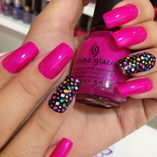 As unhas da Camila ficaram lindas! Que rosa diferente. Cores assim só no Studio Along by Studio Along Unhasílios, via Flickr
