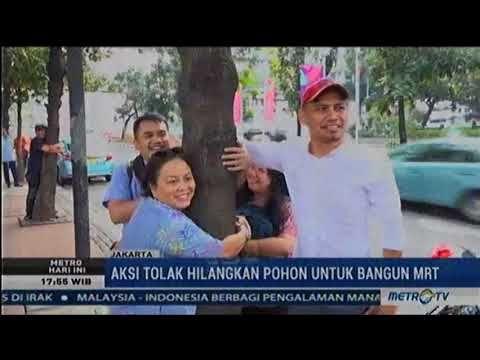 Aksi Tolak Tebang Pohon Untuk MRT