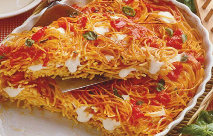 spaghetti al forno con mozzarella ricetta napoletana