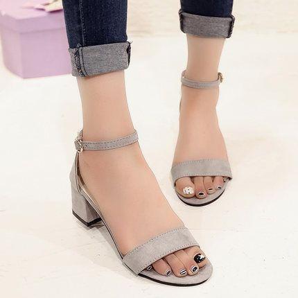 2016 новых летние сандалии женской головы рыбы грубо с обувью на высоком каблуке слово пряжки сплошного цвета полую с открытым носком обуви