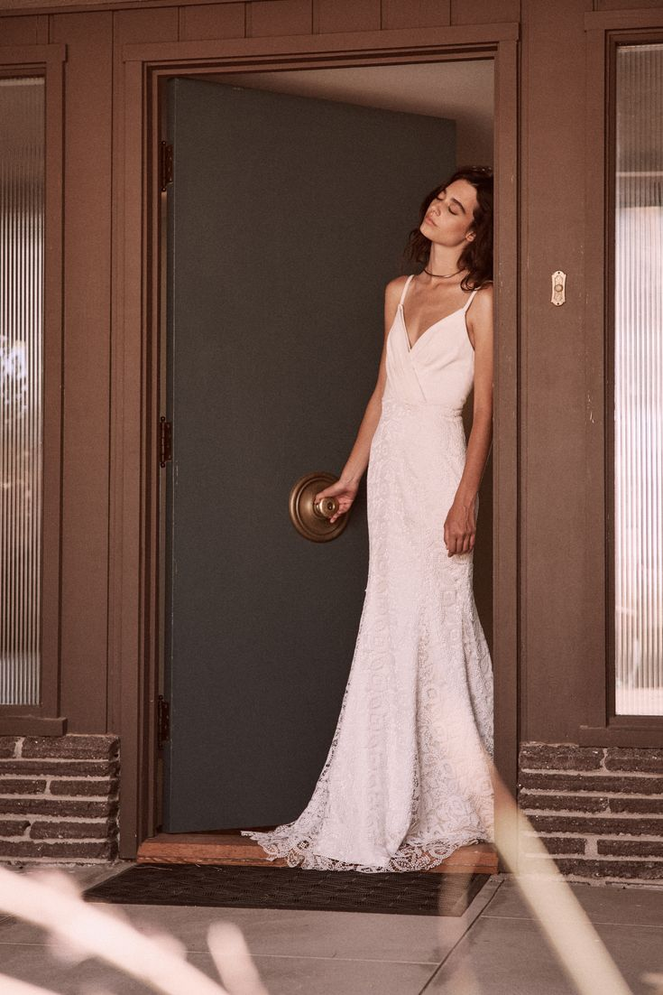 The Corta gown by Laudae Bride