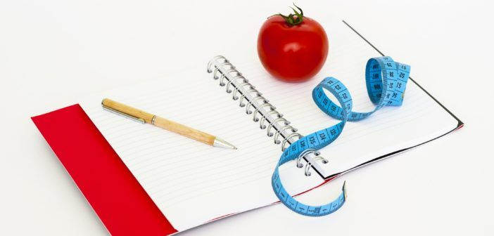 Mýtus: Pokud chcete zhubnout, jezte méně kalorií – druhá část. Pokračování článku o přílišném omezení kalorií a jeho neblahém vlivu na organismus. Při sestavování jídelníčků musíte být reální. Také bych si dal pozor na jídelníčky od lidí, kteří jsou očividně nadopovaní, protože u nich to funguje naprosto odlišně než u člověka, který se musí spoléhat na své hormony.