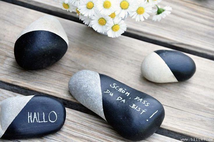 DIY-Anleitung: Steine mit Tafelfarbe bemalen via DaWanda.com