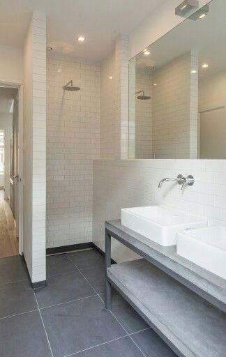 Meer dan 1000 idee n over betegelde badkamers op pinterest grijze tegels badkameridee n en - Betegelde ensuite marmeren badkamers ...