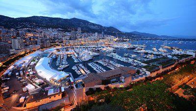 Deux hommes de 56 et 31 ans sont soupçonnés s'avoir forcé les coffres d'hôtels sur la Côte d'Azur, mais aussi à Paris, Lyon et Evian. Ils ont été arrêtés avec un butin de plus de 80.000 euros.