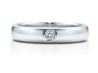 The timeless Tiffany wedding band
