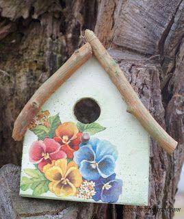 decoupage na drewnie / domek dla ptaszków / deseczka w bratki