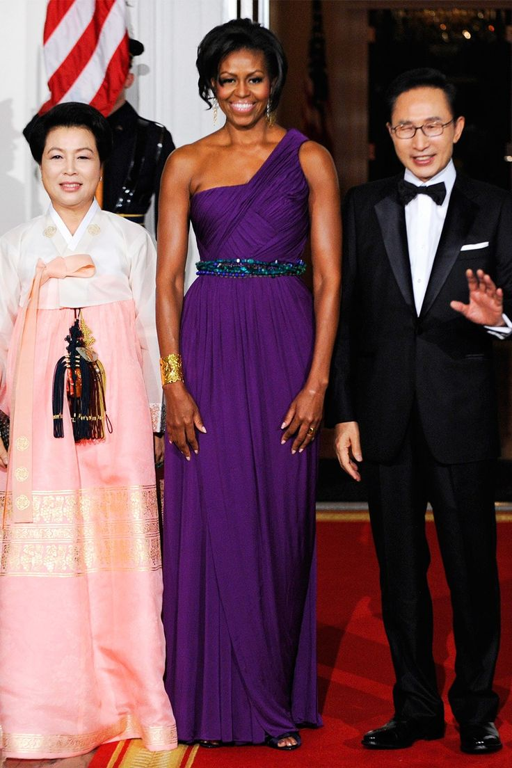 Michelle obama s state dinner dresses at the 2011 state dinner for south korea wearing doo by jonathan ernst reuters