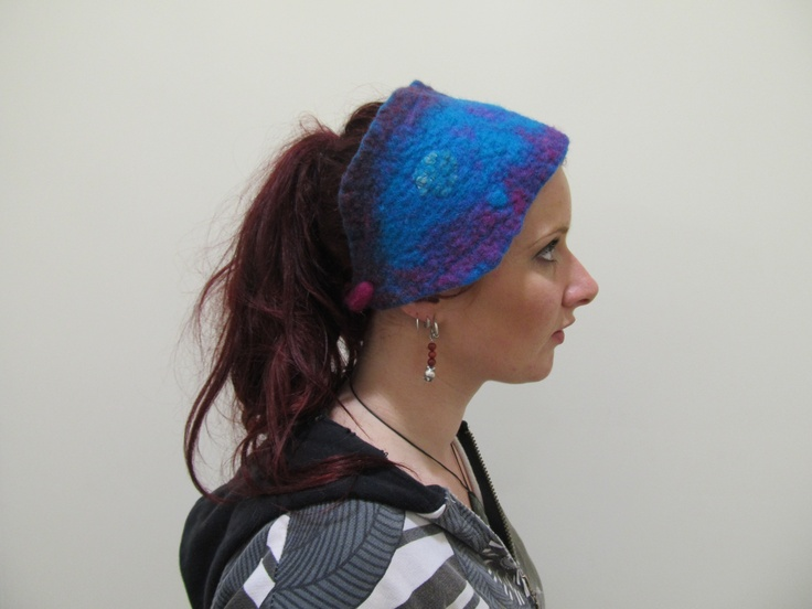 she also has a headscarf
