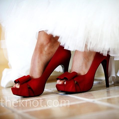 Oooh Yes! Red shoes!