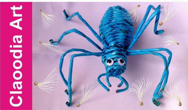 Pająk z papierowej wikliny [spider, wicker paper]