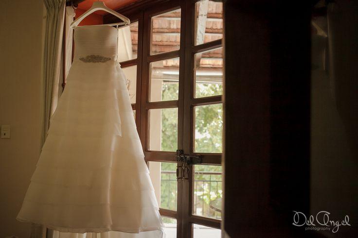 Vestido de novia tipo imperio / Empire weddind dress  #White #Blanco #Cinturasuelta #Loosewaist #weddingdress #vestidodenovia #brillo #shine #Wedding #Boda #Yucatán #Hacienda