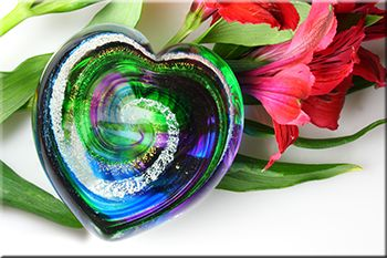 Artful Ashes - Home....makes glass art pieces from a small portion of the ashes of a loves one. Interesting?