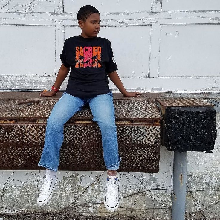 """Let'em know that you are about that """"Flaming Life."""" What does that mean? It means that you will continue to stand for what you believe in. Even if its on 1 leg!  click Link in BIO to get your shirt today.  http://ift.tt/2pCVh98 #SACREDAPPAREL #YHWH #SUPREME #FRESH #SACRED#HYPEBEAST  #SHIRT #SHIRTS #FASHION #GRATEFUL #LIFESTYLBRAND #MENSWEAR #COMPLEXMAGAZINE #COMPLEXMAG #TSHIRT #TSHIRTS #TEESHIRT #TEESHIRTS #OOTD #FASHIONBLOGGER #FASHIONBLOG #APPAREL #FASHIONS #TEES #URBANAPPAREL"""