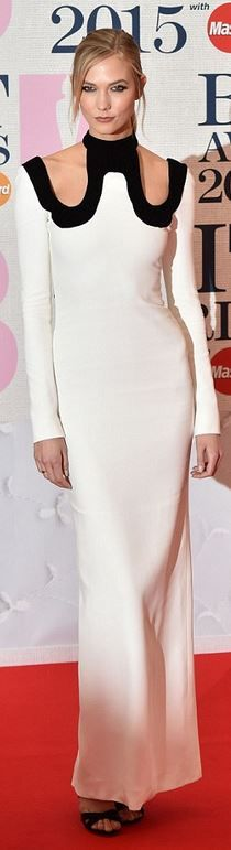 Karlie Kloss' white gown and black sandal red carpet fashion id
