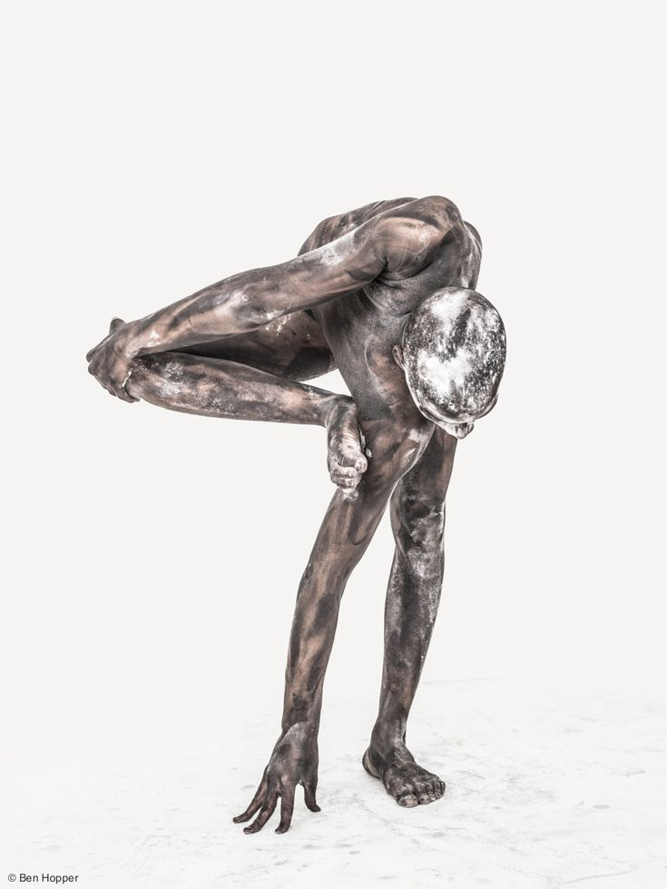Artist Transforms Nude Bodies Into Mesmerizing Living Sculptures (NSFW)