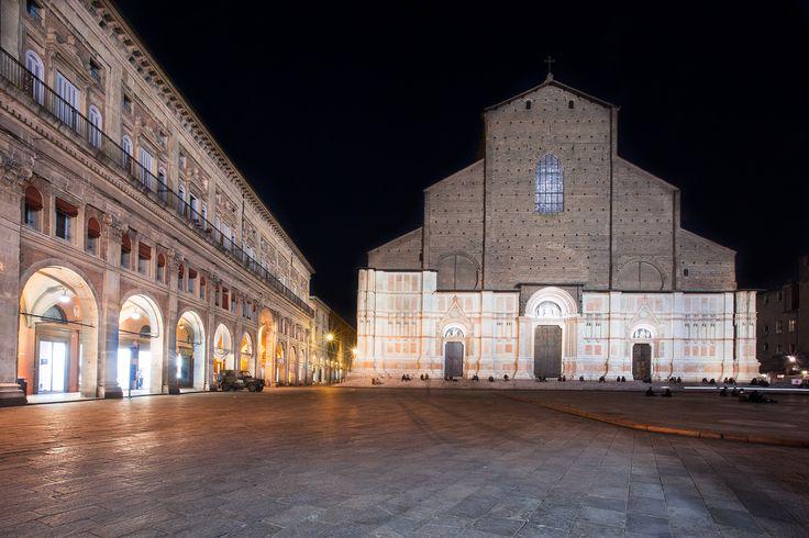 https://flic.kr/p/sd1TCs | Bologna di notte | On Flickr's Explore n.90 (06 mag 2015)  www.facebook.com/robertotaddeofoto28