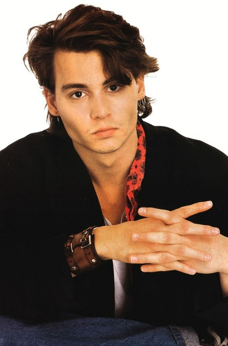 Look at those cheekbones! This picture is so 80's!