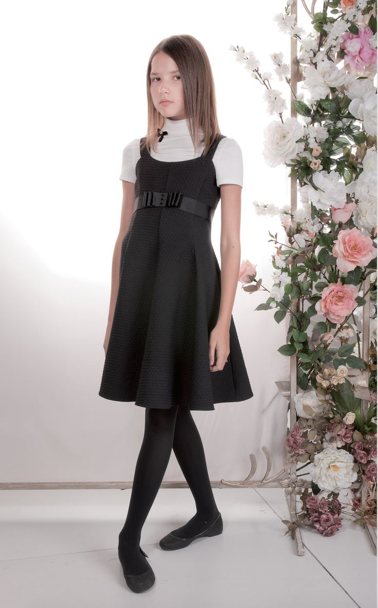 Sleek, Smart And Sophisticated This Knee Length Black -7957