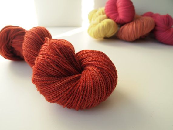 Elin. Naturally dyed. Fingering weight by IvelleTheHappyCow, €15.20