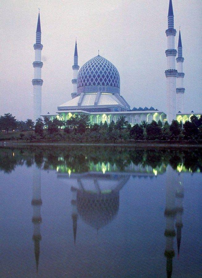 Masjid Sultan Salahuddin Abdul Aziz Shah is the Blue Mosque of Shah Alam, Malaysia