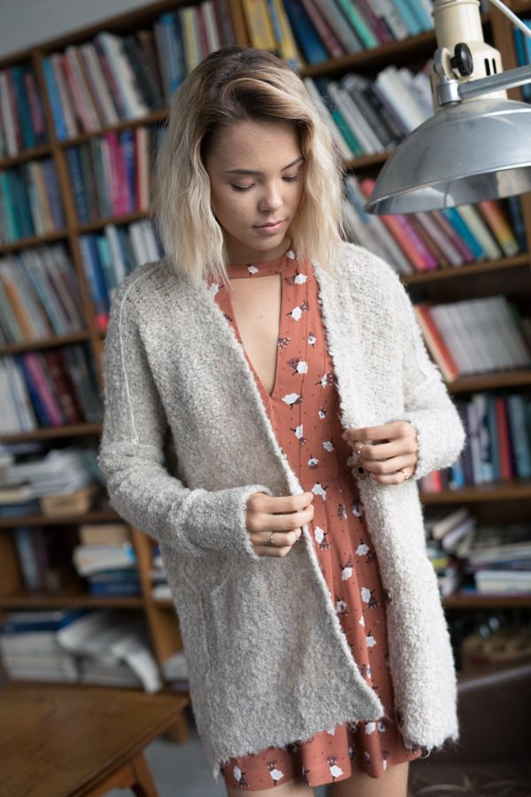 Free People Bouclè Cardi Cozy up in this super slouchy knit cardigan with large front snap button closures. Side pocket details. #style #outfit #ootd #dress #cardigan #knit #model #freepeople