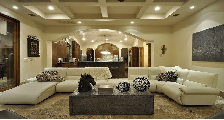 Interni case di lusso moderne soggiorni moderni for Arredamento lussuoso