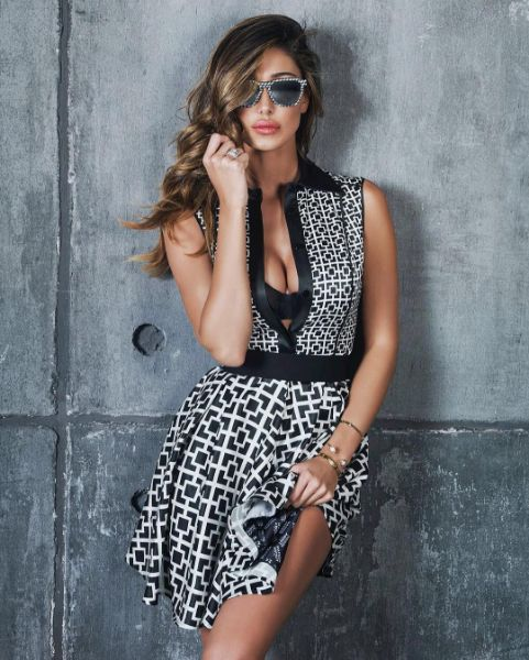 Belen Rodriguez e il Miami dress di Maison About - Belen semplicemente favolosa in questo scatto. L'abito? Di Maison About della talentuosa fashion designer Alessia Carradori.  - Read full story here: http://www.fashiontimes.it/2016/06/belen-rodriguez-miami-dress-maison-about/