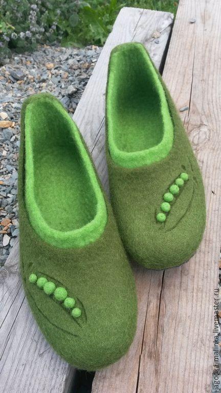 """Купить Домашние тапочки """"Зеленый горошек"""" - домашние тапочки, Тапочки ручной работы, валяные тапочки"""