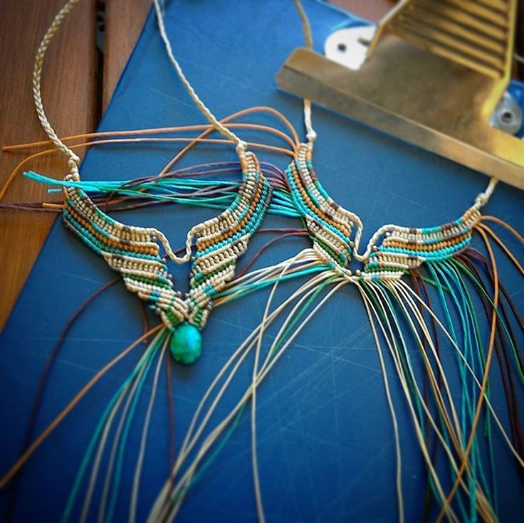 Making knots ☺ #handmade #macrame #jewellery #jewelry #artsandcrafts #knots #colorful #spring #chrysocolla #ethnic #tribal #boho #raw #callisto #callistomacrame