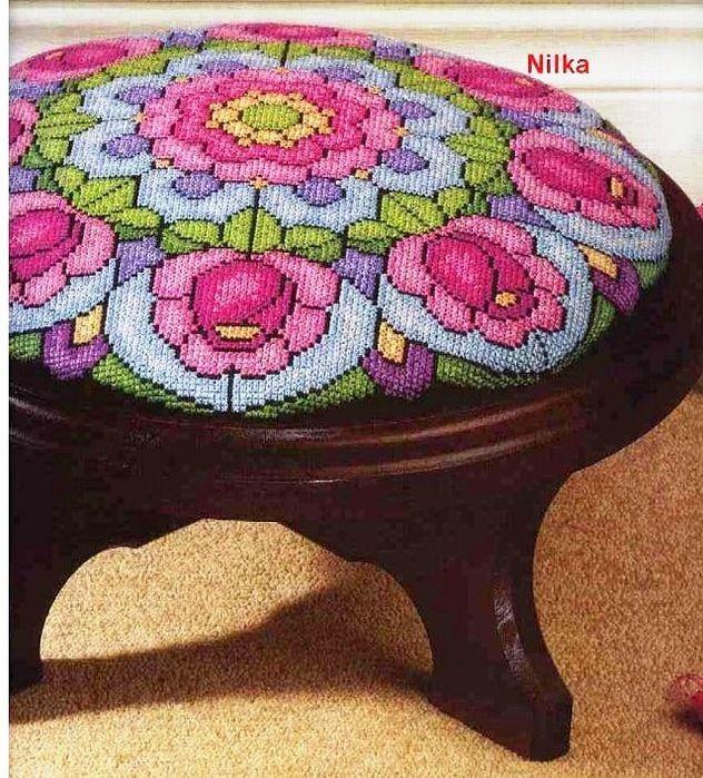 http://neddle-crafts.blogspot.com.br/2012/02/very-nice-x-stitch-pattern.html