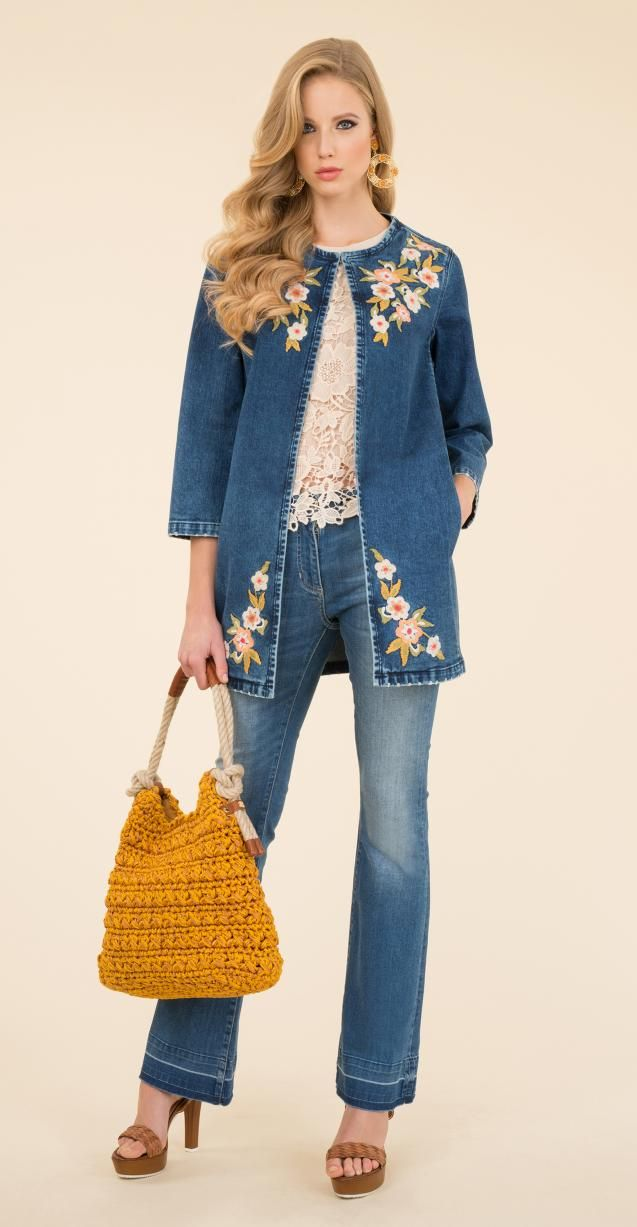 Denim coat with floral embroidery, stretch denim trousers with 5-pockets, Ideologia bag.