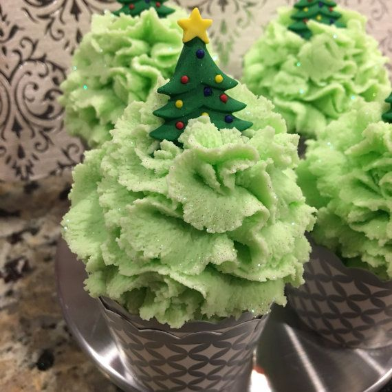 These homemade Christmas Tree bubble bars are great for stocking stuffers! #AD