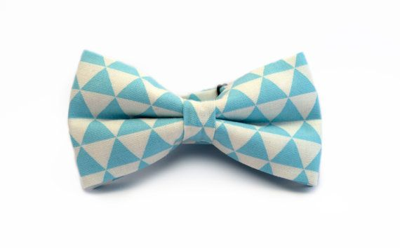 Men's bow tie white and blue triangles handmade by MinutePapillons, $25.00