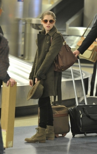 Anna Kendrick just traveling like the rest of us.
