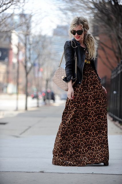 Wow the arrangement of this outfit really makes it! Super cute with little boho. :()