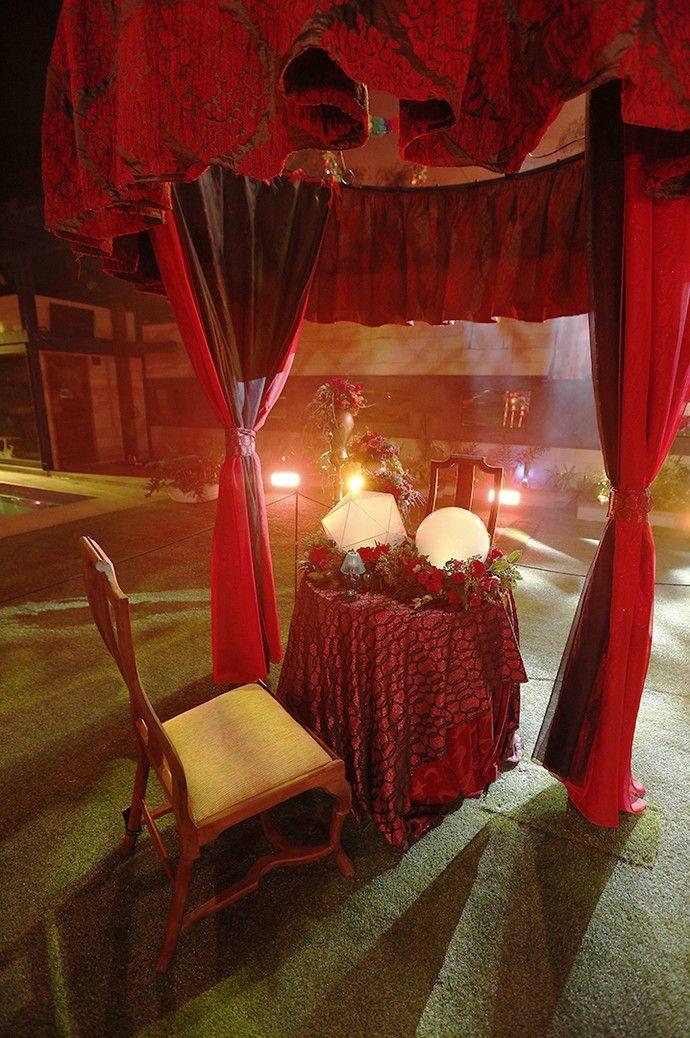 Tenda de adivinhação na Festa Cigana do BBB 16