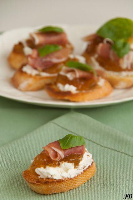 Carolines blog: Crostini met prosciutto, geitenkaas en vijgenjam