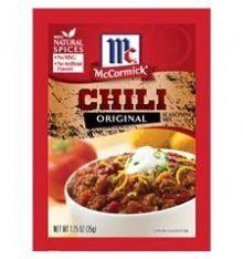 Il y a la poudre de chili et les mélanges d'épices pour chili.McCormick Original Chili mix est unmélange d'épices! Si vous n'avez pas le temps de cuisiner, pas toutes les épices à portée de main ou pas beaucoup d'expérience en cuisine,ce petit paquet est le moyen idéal pour réaliser un délicieux chili maison. Essayer-le avec différents types de haricots et de viandes. #chiliconcarne #poudreachili #chilipowder #chilimix #epicerieamericaine #mylittleamerica #cuisineamericaine