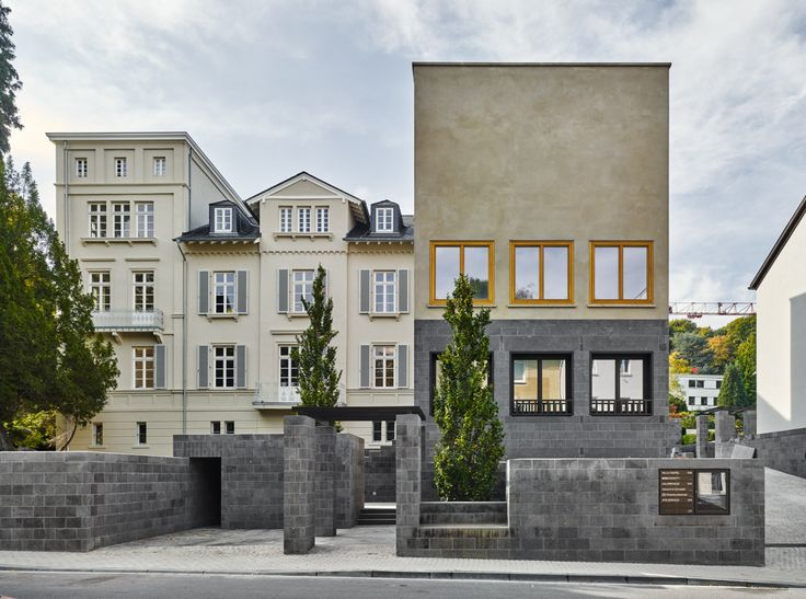 "subtilitas: ""Uwe Schröder - Gallery and studio, Bonn 2015. The creation of both a place and object for art; the art space as a town square, the gallery as an apartment. Photos © Stefan Müller. """