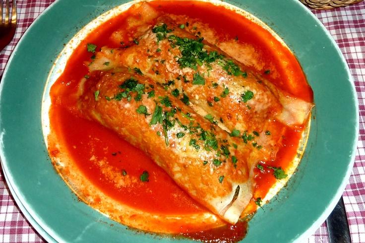 Canelones Italianos que pueden ser rellenos de, espinaca, carne o jamón y mozzarella.