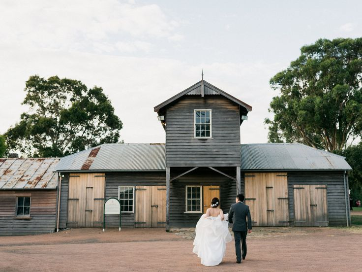 If you want to add a bit of rustic texture to your wedding day, then maybe a rustic barn house may just be what you are looking for...  #wedding #rusticchic