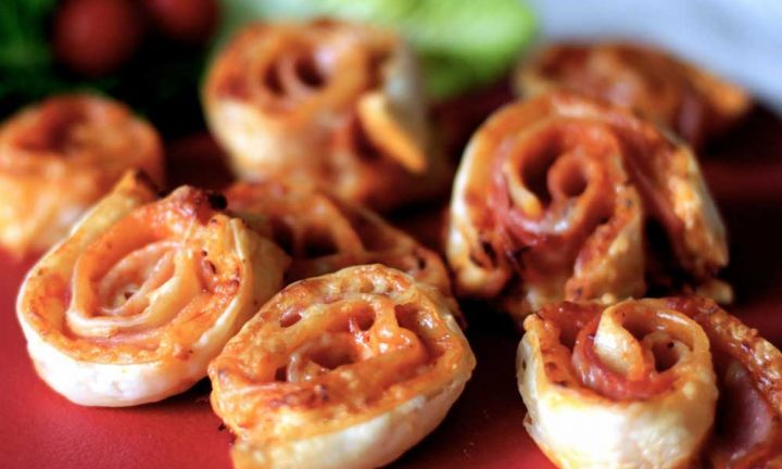 Lunch box pizza pinwheels - Kidspot