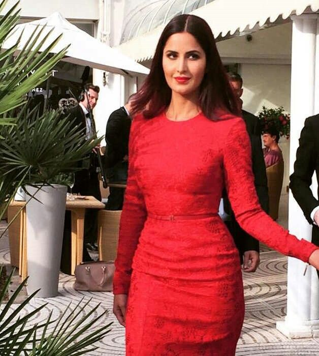 In this images,pic you will see Red hot Katrina kaif photos on Red Carpet of Cannes 2015 film festival. Katrina kaif is looking so beautiful in this dress