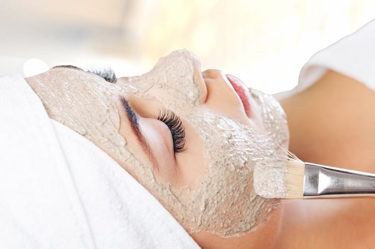 For a fun and unique use of our Beef Gelatin, give your skin a deeply moisturizing treatment with this Oatmeal & Honey Facial Mask.  The wide array of amino acids in our gelatin works to stimulate the collagen in the skin, which can improve skin tone and elasticity.  Ground oatmeal helps to neutralize the skin's PH and soothe irritation.  Raw honey imparts nutrients, as well as draws moisture to the skin.  Optionally, massage the mask into your skin for a gentle exfoliation.